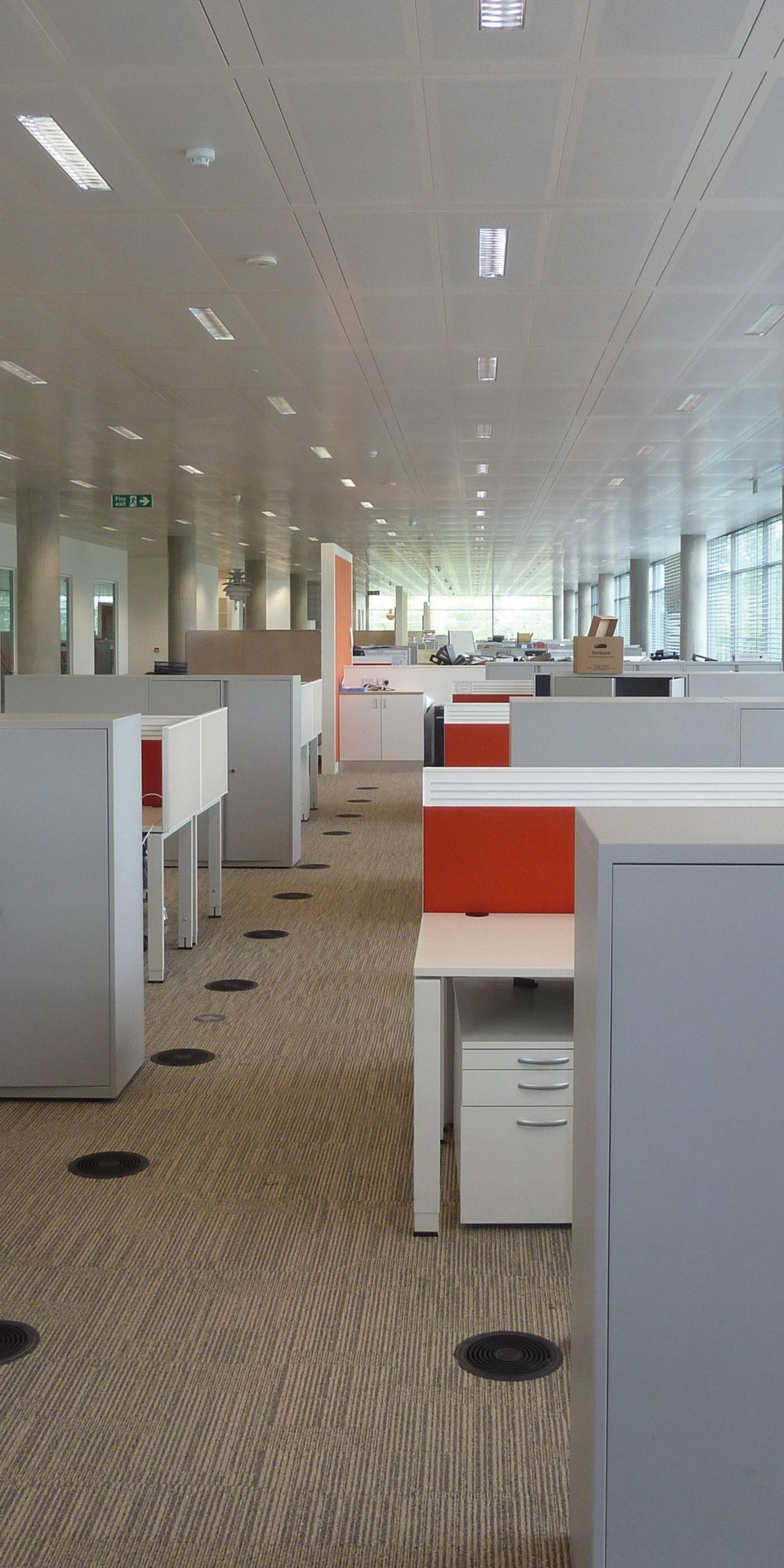 accent-open-plan-office-3 gallery image