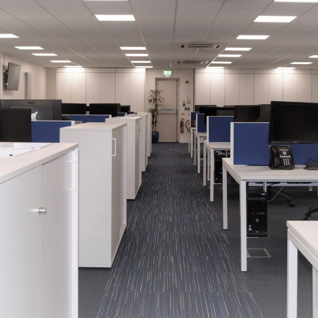accent-open-plan-office-33 gallery image