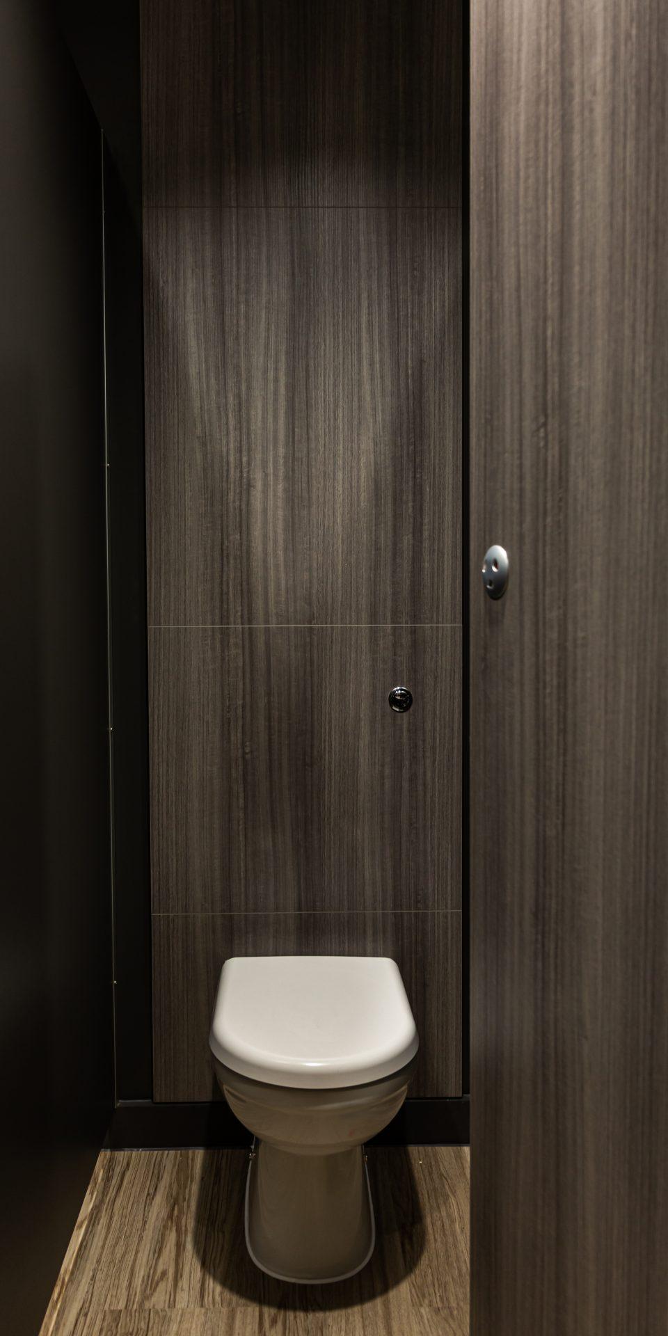 Indoor Door Sports Ltd – Washrooms gallery image