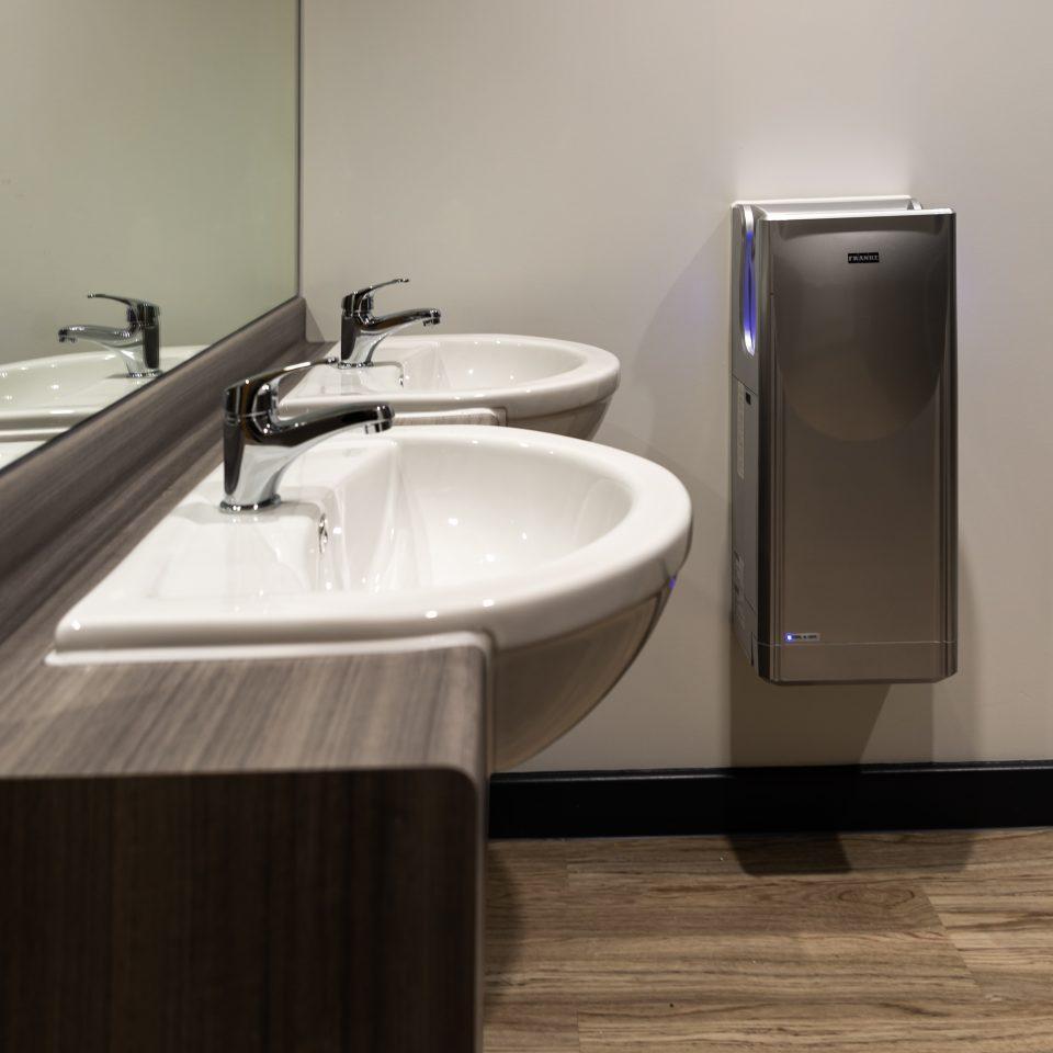 Indoor Sports Services Ltd – Washrooms gallery image
